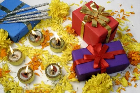 Great Housewarming Gift Ideas for New Homeowners