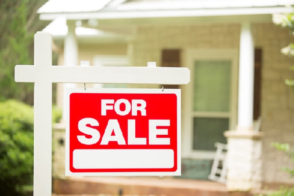 Should You Sell or Rent Your Property? – RoofandFloor Blog